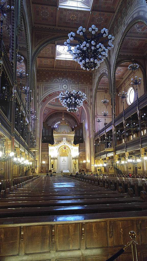 Dohány St. Synagogue Interior
